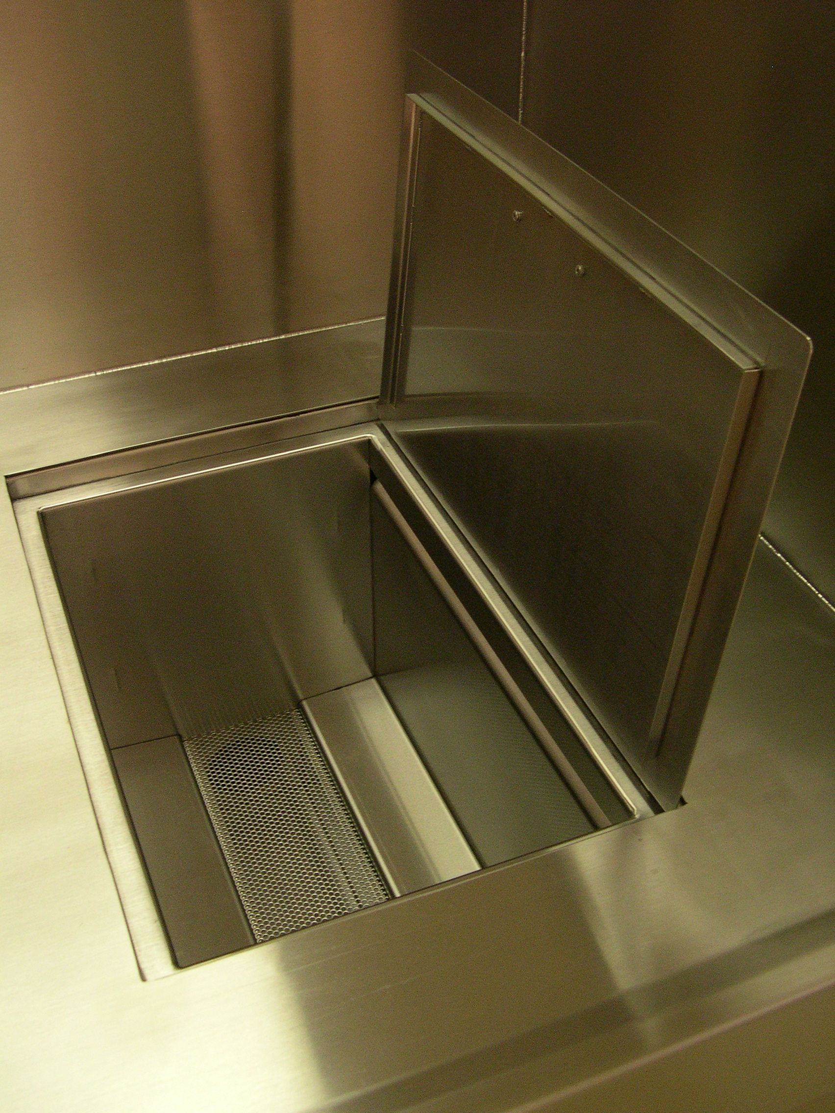 Complete process benches for passivation applications